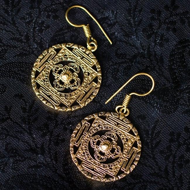 カーラチャクラ マンダラのゴールデンピアス 6 - 別のデザインもございます。
