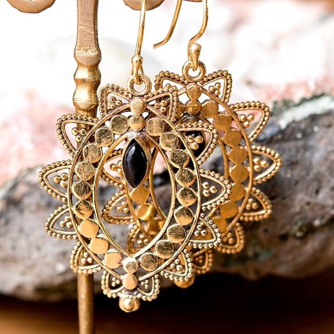 インド伝統模樣のゴールデンピアス(パワーストーン付) 12 - ブラックオニキス