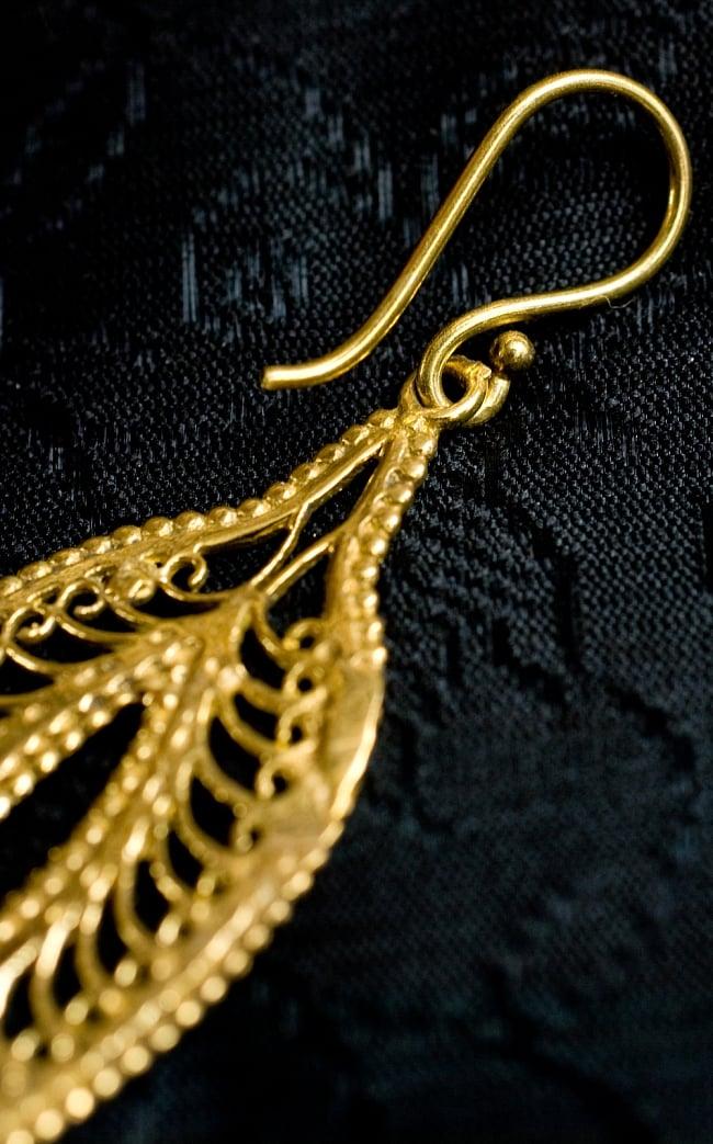 ペイズリー(更紗)の艶めきゴールドピアス 4 - フックの部分はこのようになっています
