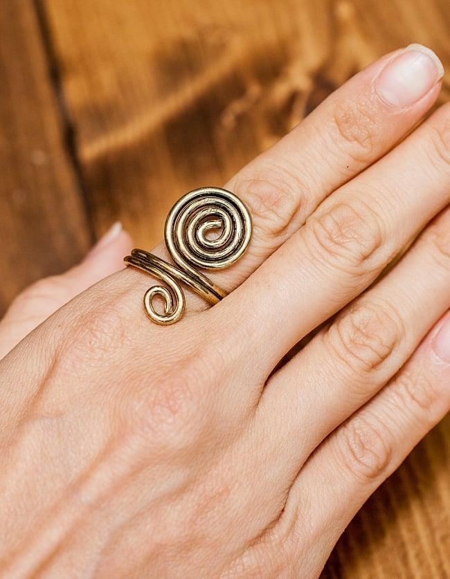 インドのうずまきリング 5 - とても可愛らしい指輪です
