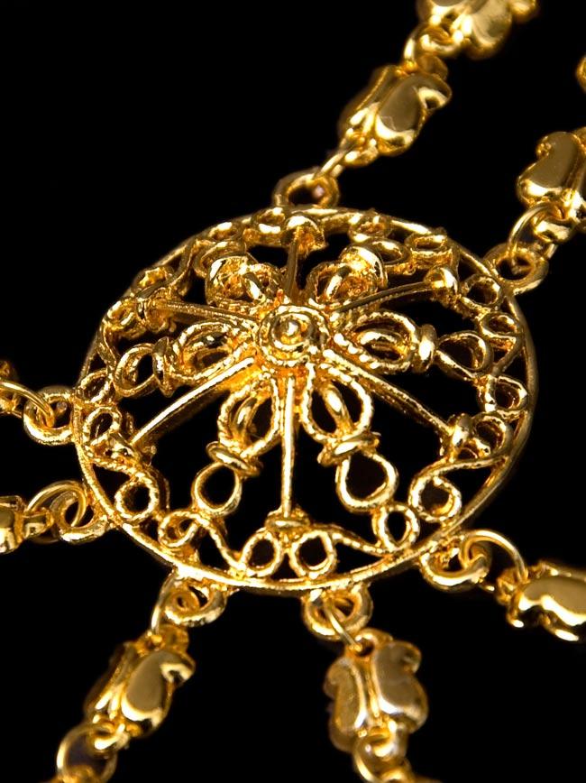 ゴールドパンジャ [5本指] 3 - 中心部分の装飾を拡大してみました。