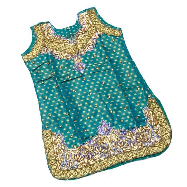 パンジャビ・ドレス3点セット - えんじの写真7 - 広げてみました。ちょっと小さめな作りになっています。(こちらは同デザインの色違いです。)