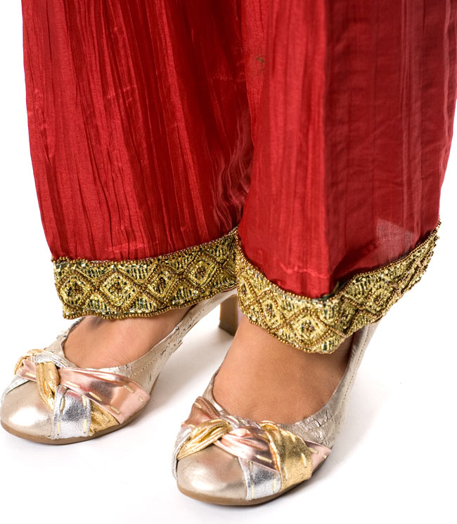 パンジャビ・ドレス3点セット - グリーン 6 - 足元はゆったりで履きやすいです。