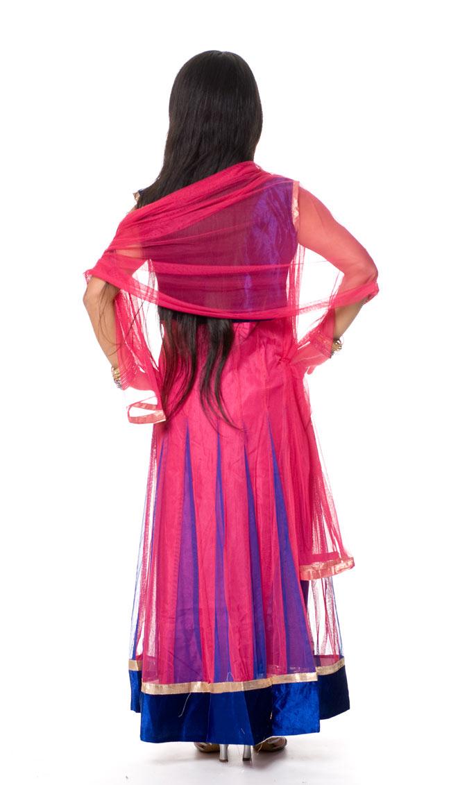 パンジャビ・ドレス3点セット - ネイビー×ピンク 3 - 後ろ姿です。