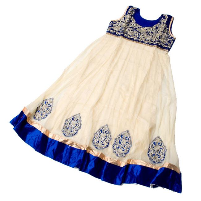 [インド品質]パンジャビ・ドレス3点セット - グリーン 7 - 広げてみました。(こちらは同デザインの色違いです。)