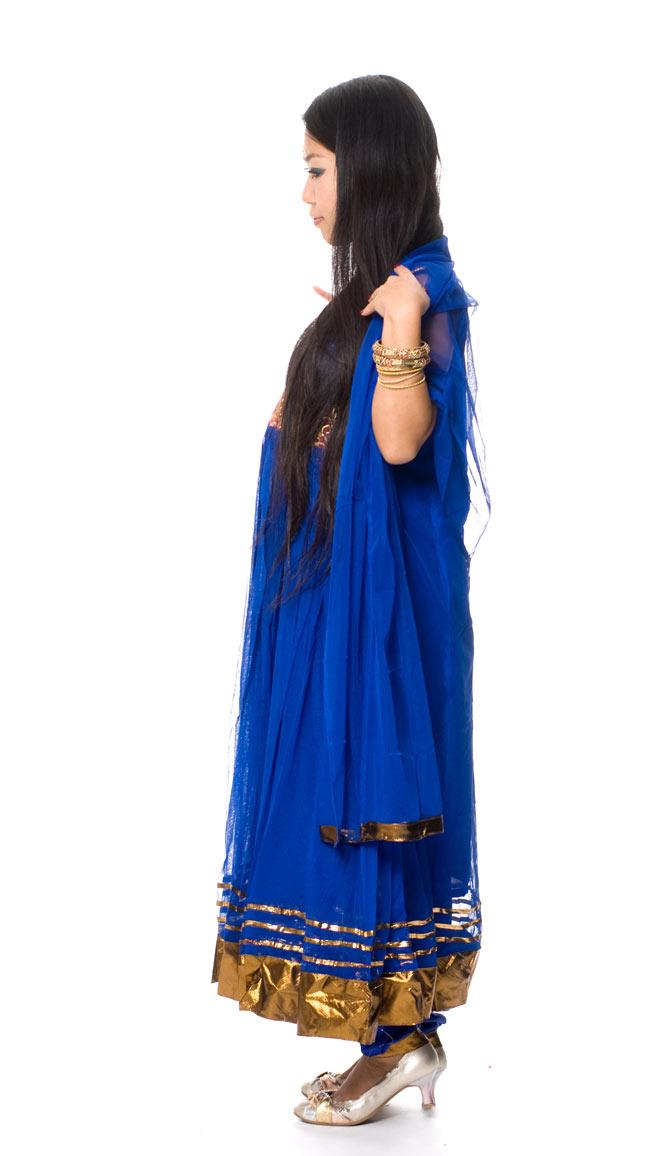 パンジャビ・ドレス3点セット - 青 2 - 横から見た姿です。