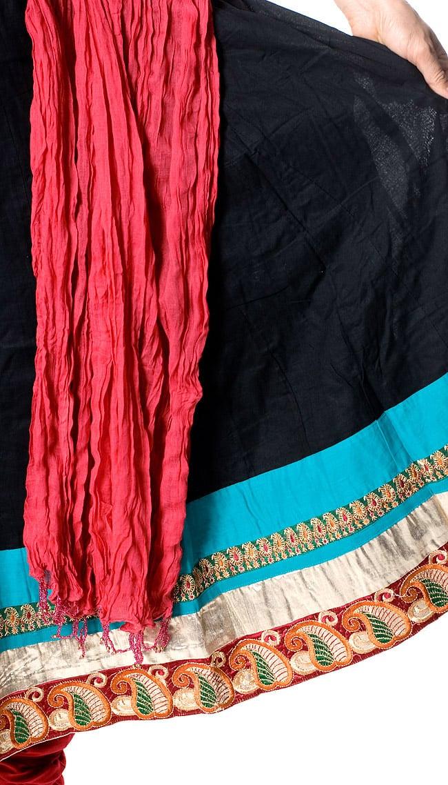 パンジャビ・ドレス3点セット - ブラック 6 - ひらひらした裾のデザインはとてもゴージャスな雰囲気です。