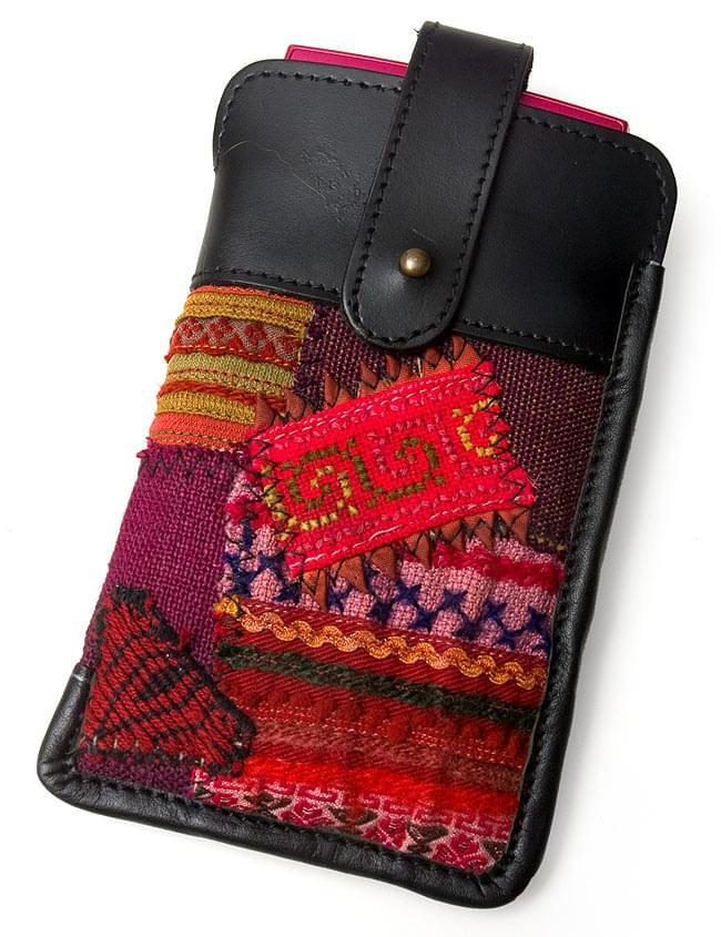 [高品質・一点物]モン族 - 牛革のスマホケースの写真