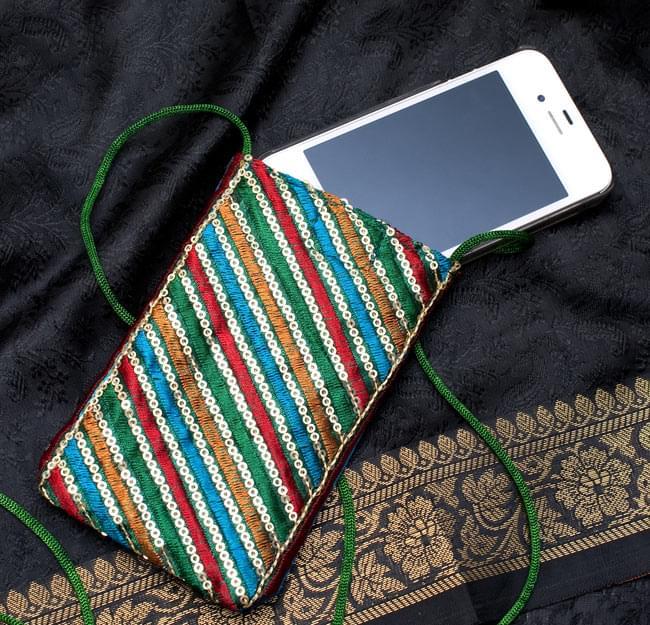 チロリアンスマホケース - ソフト(ボーダー系アソート)【縦幅約13cm×約8cm】 7 - ちょどiPhone 4や4Sが入るぐらいのサイズ感です。