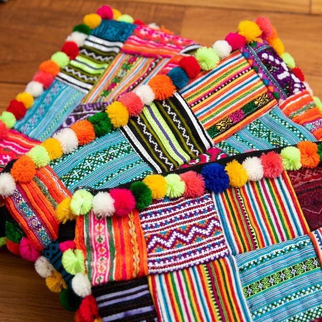 ぽんぽん付きモン族の刺繍ポーチ 18 - 選択5:パッチワークの一例です。