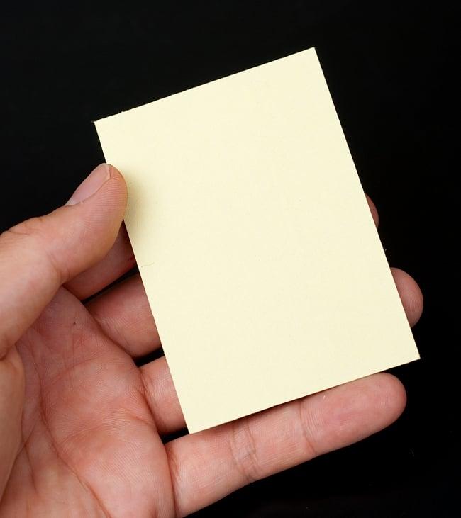 〔約6cm×約8.5cm〕インドのヒンドゥー神様ゴールドお守りカード ステッカー - ベイビークリシュナ 5 - 裏面の写真です(以下は同ジャンル品の写真となります)
