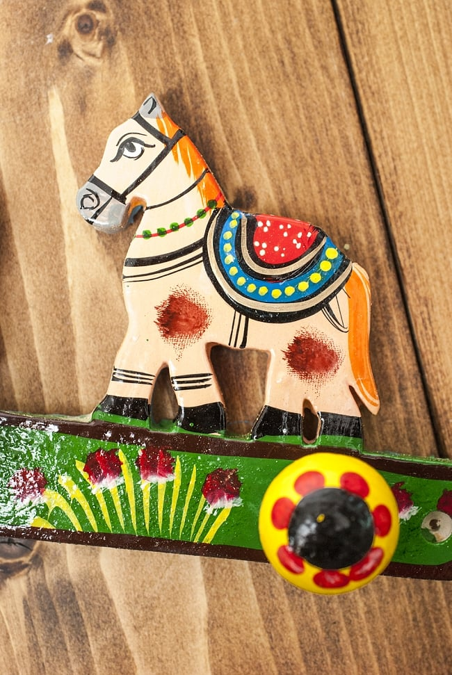 ペイント馬さん壁掛フックの写真4 - 手塗りのぬくもりが伝わってくる、ハンドメイドアイテムです
