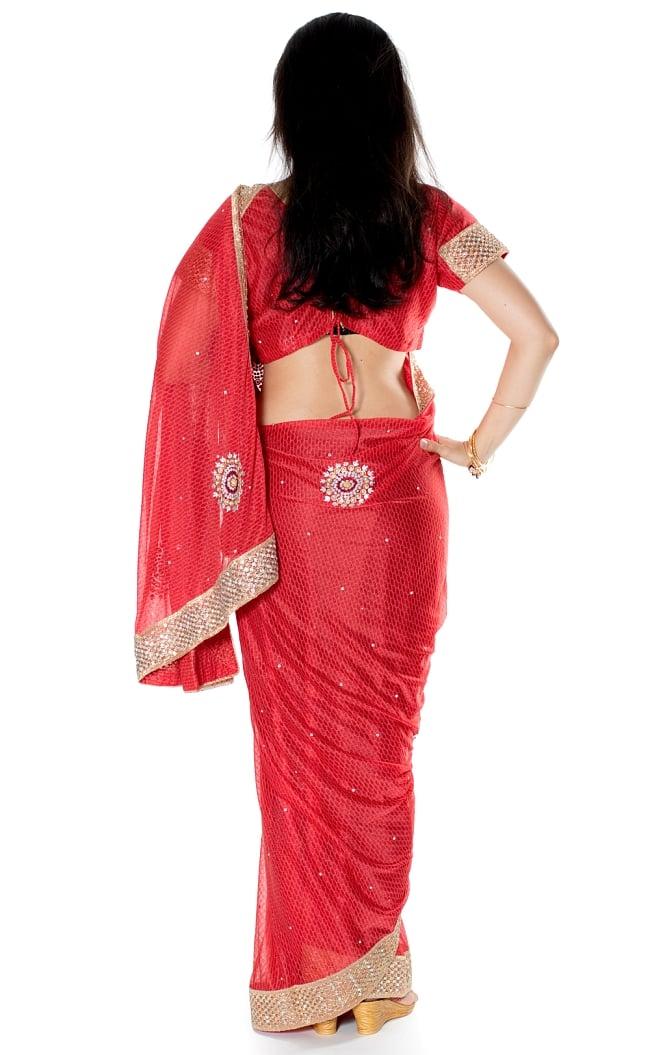 金糸とビーズ刺繍 レンガ模様のマハラニインドサリー【チョリ付き】 - 赤 3 - 後ろからの写真です
