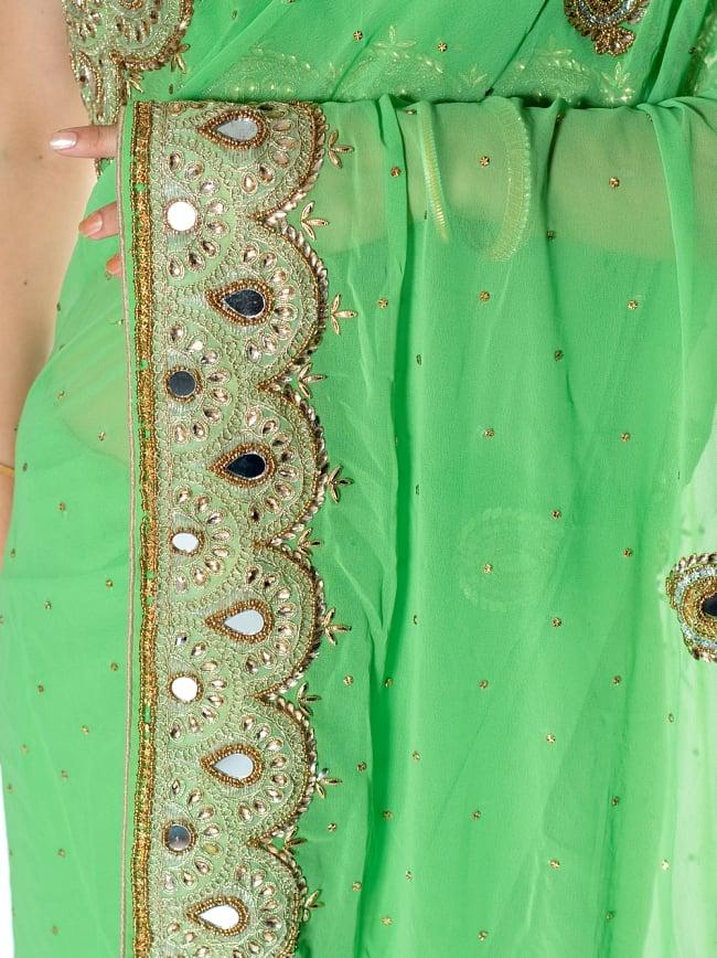 【一点物】ミラーワークと刺繍の婚礼用ゴージャス ジョーゼットサリー【チョリ付き】 - 薄緑 6 - とても綺麗なサリーです