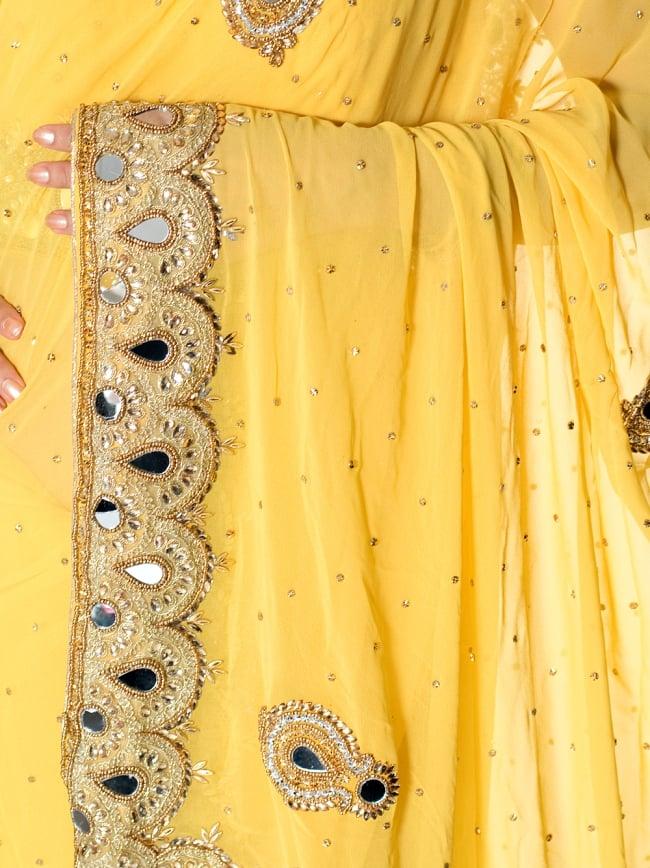 【一点物】ミラーワークと刺繍の婚礼用ゴージャス ジョーゼットサリー【チョリ付き】 - 黄色 6 - とても綺麗なサリーです