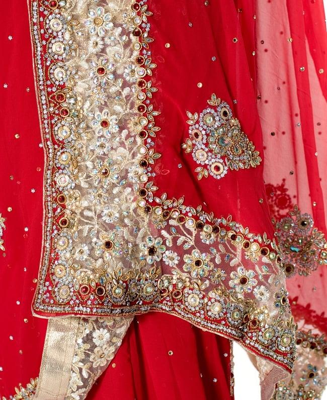 【一点物】刺繍とビジューの婚礼用ゴージャス ジョーゼットサリー【チョリ付き】 - 赤 7 - 縁の拡大写真です