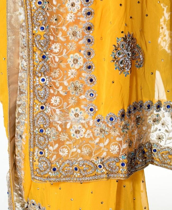 【一点物】刺繍とビジューの婚礼用ゴージャス ジョーゼットサリー【チョリ付き】 - イエロー 7 - 縁の拡大写真です