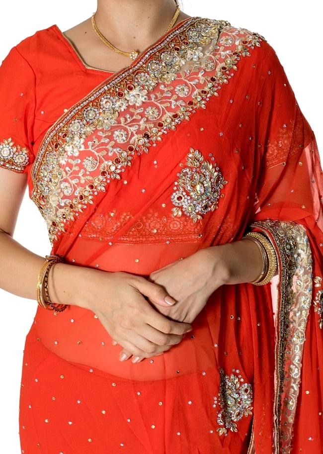 【一点物】刺繍とビジューの婚礼用ゴージャス ジョーゼットサリー【チョリ付き】 - オレンジ 5 - 拡大写真です