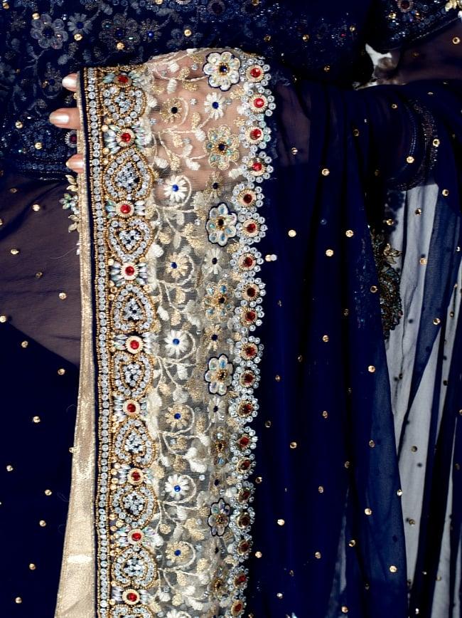 【一点物】刺繍とビジューの婚礼用ゴージャス ジョーゼットサリー【チョリ付き】 - 紺 6 - とても綺麗なサリーです