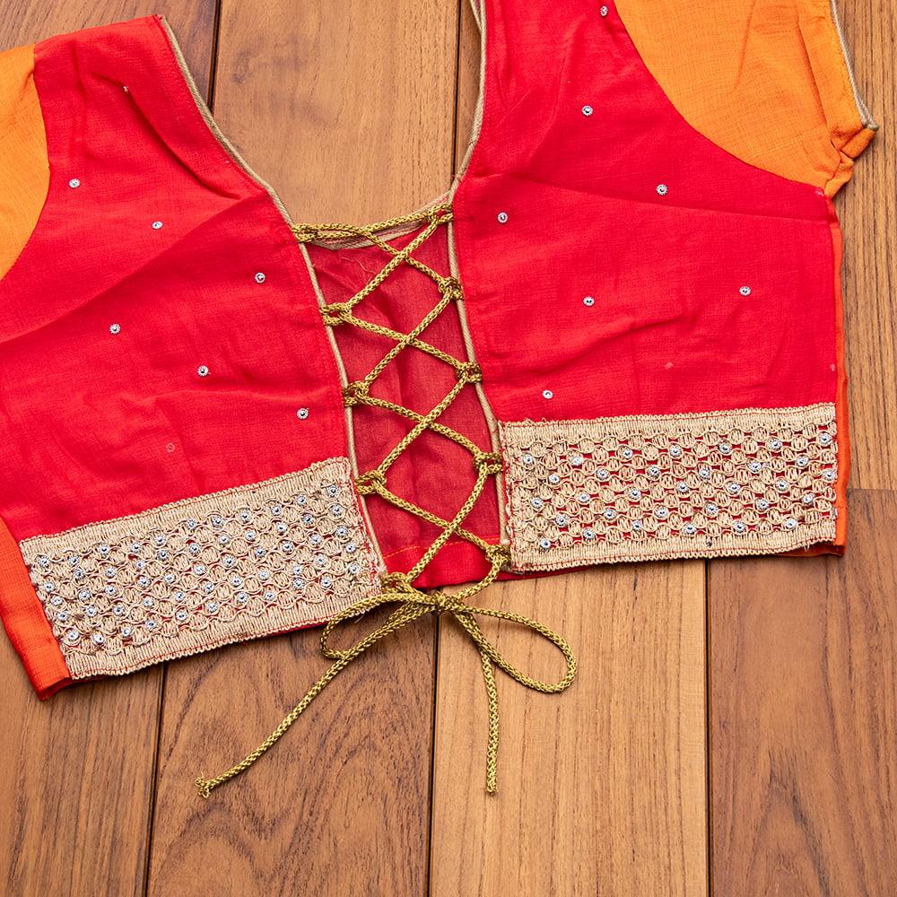 更紗柄刺繍の婚礼用ゴージャス サリー【チョリ付き】 14 - チョリは紐でサイズが調節できます。(写真は類似商品です)