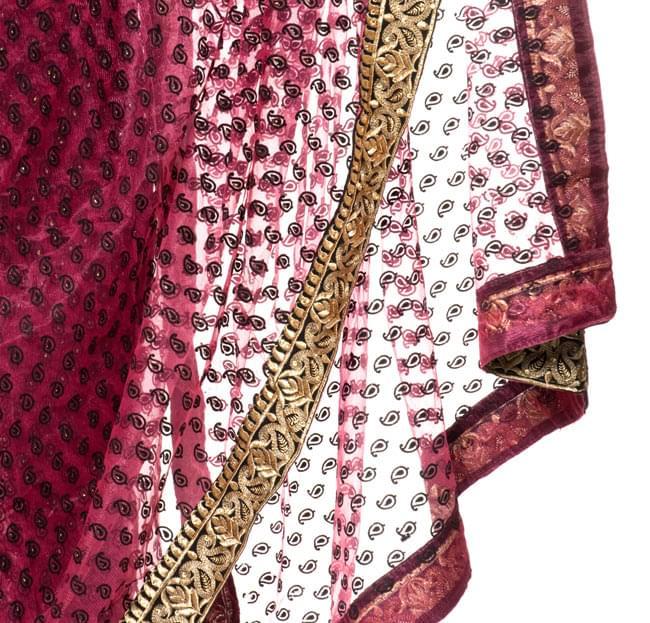 婚礼用ゴージャスサリー3点セット【濃ピンク×金】 6 - 裾の部分はこんな感じです。ビーズや刺しゅうが美しいです。