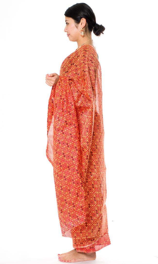 インドサリー【伝統柄】 赤オレンジの写真2 - 横からの姿はこんな感じです。