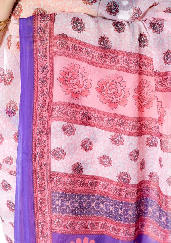 インドサリー【花・伝統柄】の写真7 - 別の角度からの写真です