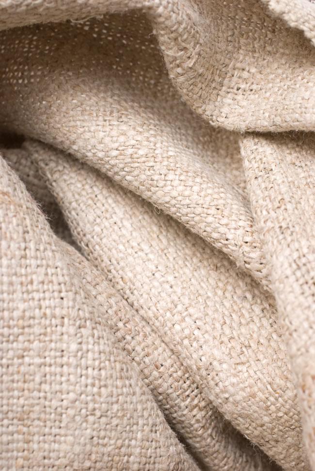 [手芸用]ワイルドヘンプの手織り布地 7 - ヘンプは、植物としては麻です。ネパールの人々が手作業で作り上げます。