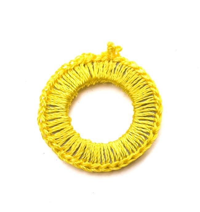 【10個セット】インドの丸鏡カバー 25mm - 黄色 3 - 裏面です。
