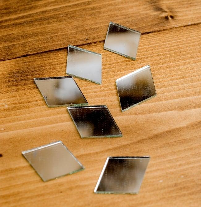 【およそ50枚入り】ひし形鏡セット たてよこ 約3.8cmx1.5cm 3 - 形がわかるように、並べてみました。