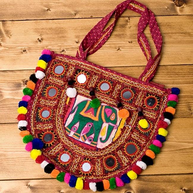 【およそ50枚入り】ひし形鏡セット たてよこ 約3.8cmx1.5cm 5 - 使用例です。インドのカッチ刺繍にはよく使われています。個性的なデザインになって可愛いですね。