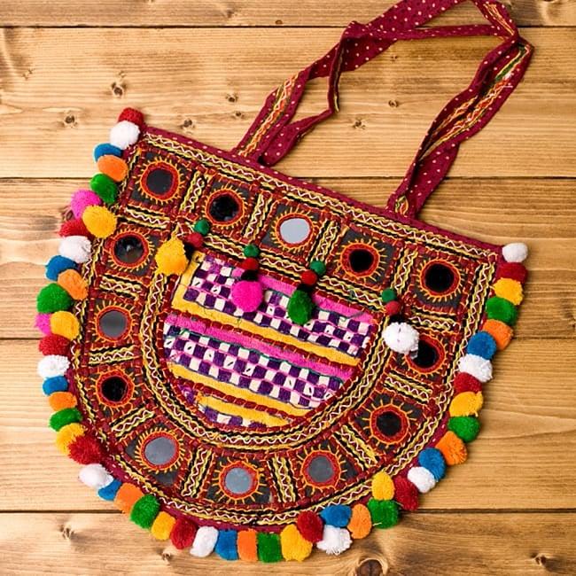 【10個セット】インドの丸鏡カバー 内径23mm外径33mm - 水色 6 - インドのカッチ刺繍です。こんな感じでついているだけで独特な雰囲気がおしゃれですね。