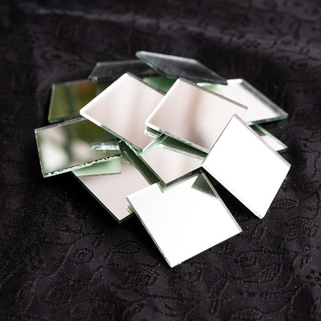 【およそ22枚入】正方形鏡セット たてよこ 約3.1cmx.3.1cm 2 - ミラーが光に反射して美しい