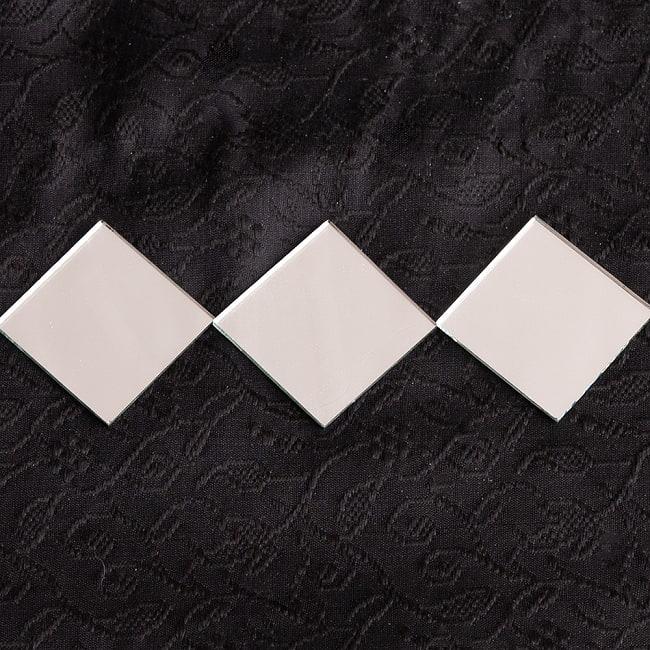 【およそ22枚入】正方形鏡セット たてよこ 約3.1cmx.3.1cm 4 - 並べるとこんな感じです。微妙に形が違うのがインドならでは!