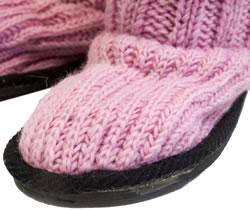 ネパールのニット・ブーツ 【薄ピンク】 3 - 部分をアップで撮影しました