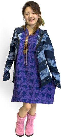 ネパールのニット・ブーツ 【薄ピンク】 6 - モデルさんの着用例です。モデルさんの身長は158cmです