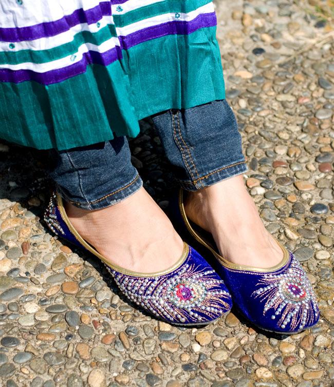 刺繍とスパンコールのフラットシューズ 7 - 実際に履いてみました。