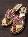 エスニック衣料のセール品:[日替わりセール品]インドのゴージャスサンダル - ゴールデンインソール