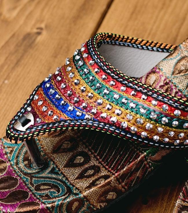 インドのカラフル刺繍ビーチサンダル 2 - 拡大写真です