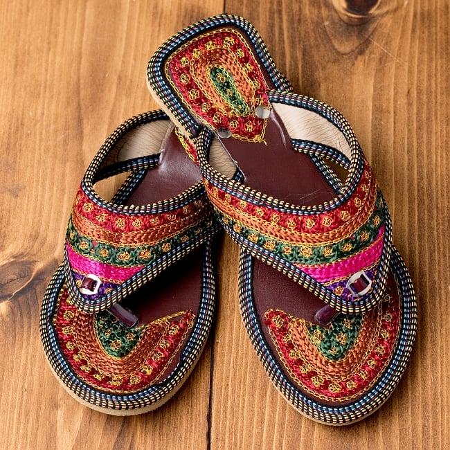 インドのカラフル刺繍トングサンダル - 【ヒール付き】 1
