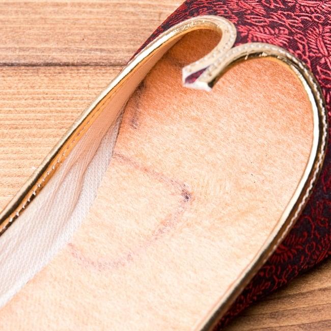 男性用宮廷靴 - モジャリレッド 9 - インドの大衆向けクオリティの商品ですので小さな傷や汚れがある場合がございます。 現地の味としてお楽しみ下さい。