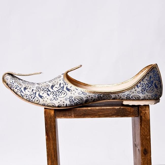 男性用宮廷靴 - モジャリブルー×ホワイト 4 - 横からの写真です