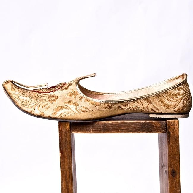 男性用宮廷靴 - モジャリゴールド 4 - 横からの写真です