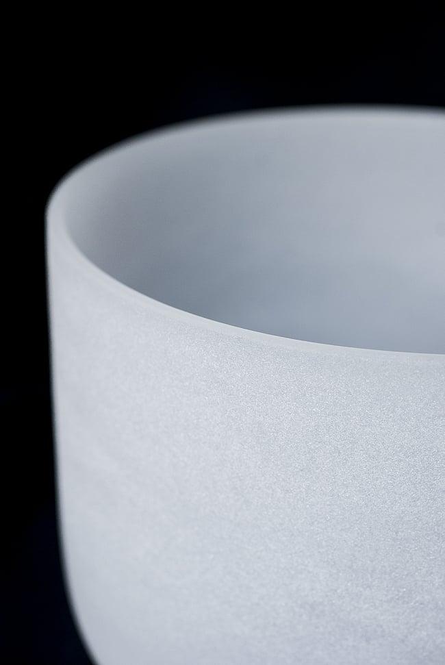 【A音程】第6チャクラ(3rd Eye)クリスタルシンギングボウル 直径18cmの写真2 - 上からの写真です