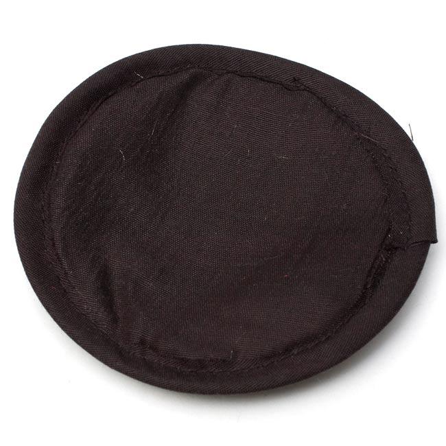 シンギングボウル用マット[12cm]の写真4 - 裏面は黒です