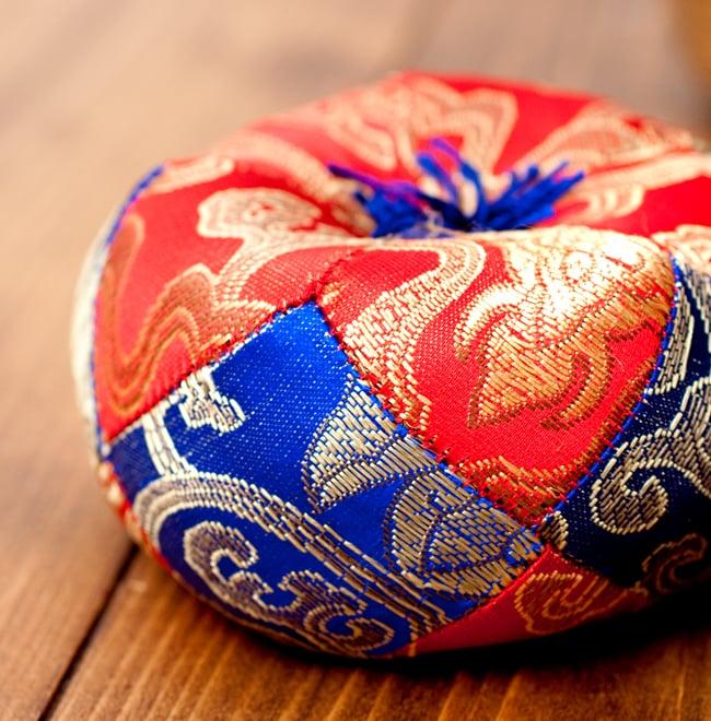 シンギングボウル用マット(10cm)【赤と青】 4 - 横からの写真です