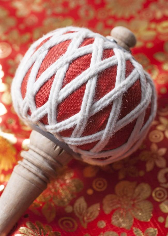 エスニックマレット(太鼓のバチ)[38.5cm]の写真2 - ヘッド部分です。飾り紐が美しいですね。