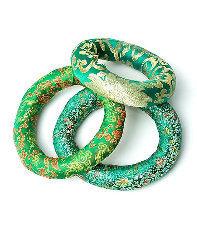 シンギングボウル用リング[直径約9cm]の写真6 - 緑色のものです