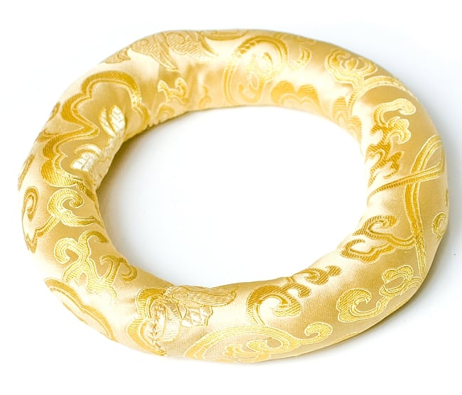 シンギングボウル用リング[直径約19cm]の写真9 - 金色のものです