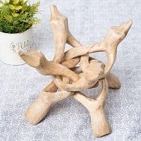 一本の木を彫って作ったマンゴーウッドボウルスタンド4本足タイプ【直径14cm】